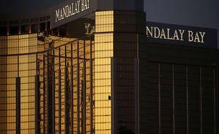 Le tireur de Las Vegas était réfugié au 32e étage de l'hôtel Mandala Bay, d'où il a fait feu.