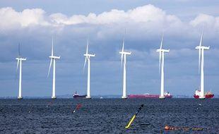 Illustration d'un parc éolien off-shore au Danemark, alors qu'il n'existe pas encore de tels parcs en France.