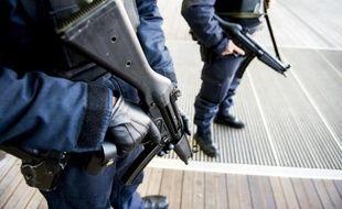 Des policiers belges, le 16 janvier 2015
