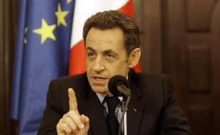 Le président français Nicolas Sarkozy a donné mardi à Bagdad son feu vert aux entreprises françaises pour qu'elles investissent en Irak, lors d'une visite suprise, la première d'un chef de l'Etat français dans ce pays.