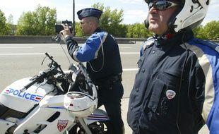 Un Allemand de 19 ans a été contrôlé à 165 km/h sur une route limitée à 90 km/h à Illkirch, mercredi, par deux motocyclistes de la police nationale. (Illustration)