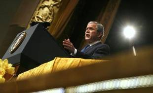 U.S. President George W. Bush delivers a speech at the Emirates Palace Hotel in Dubai January 13, 2008. Bush is on a week-long trip to the Middle East. REUTERS/Kevin Lamarque