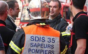 Des pompiers en intervention rue de Penhoët à Rennes, le 10 septembre 2014.