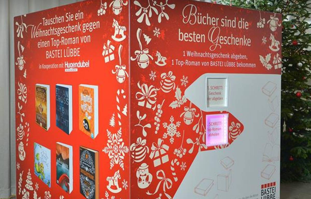 La machine a échanger les cadeaux nuls contre des bouquins a été mis au point par une maison d'édition allemande. – Photos Bastei Lübbe