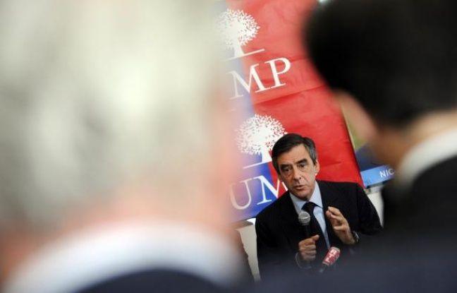 François Fillon, qui s'est officiellement lancé dans la course à la présidence de l'UMP, fera son premier déplacement lundi dans le Loiret, accompagné notamment de Valérie Pécresse, Laurent Wauquiez et Eric Ciotti, a annoncé vendredi son équipe.