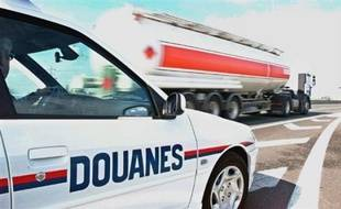 Les 18.600 douaniers français ont augmenté de 57,1 % le volume des saisies d'héroïne, de 41,3 % celui des articles de contrefaçons et de de 28,8 % celui des cigarettes de contrebande en 2008.