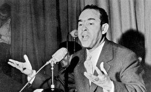 Le dossier de la disparition en 1965 à Paris de l'opposant marocain Medhi Ben Barka a connu lundi un nouveau développement avec la mise en cause de cinq Marocains, dont un haut responsable, le jour où le président Nicolas Sarkozy entamait une visite d'Etat de trois jours au Maroc.
