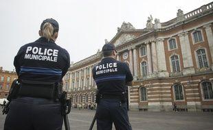 Agents de la Police municipale Place du Capitole. 25/05/2010 Toulouse
