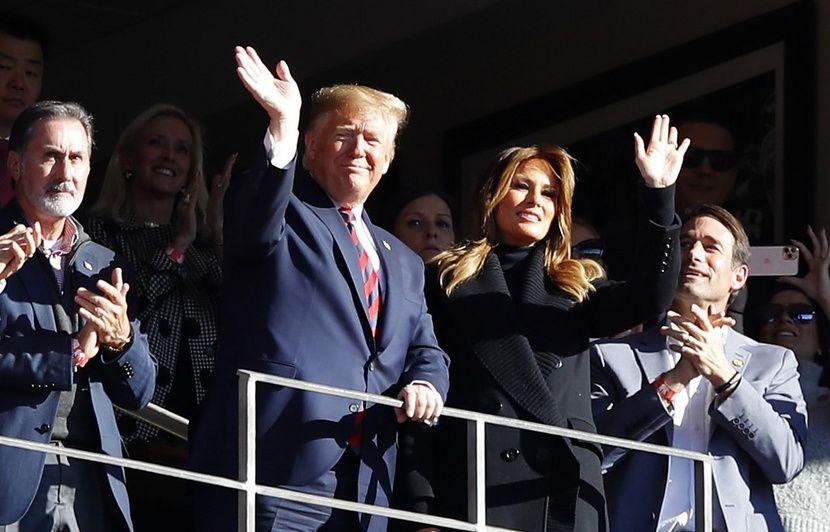 VIDEO. Etats-Unis : Donald Trump ovationné lors d'un match de foot US en Alabama