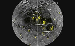 De l'eau glacée se trouverait piégée sous certains cratères du pôle nord de Mercure.