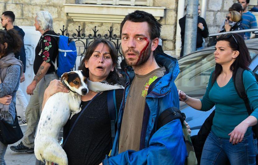 «Gilets jaunes»: 80 interpellations et une septuagénaire grièvement blessée à Nice