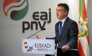 Le Parti nationaliste basque (PNV) est en tête des intentions de vote aux élections régionales du 21 octobre, les premières organisées au pays basque sans menace de l'ETA, alors que les indépendantistes de EH Bildu arriveraient en seconde position, selon un sondage.
