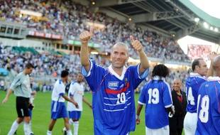 Zinedine Zidane with France 98 during a charity match for the victims of the storm Xynthia, August 8, 2010 in Nantes.