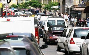 L'automobile et les embouteillages restent la première source de pollution à l'ozone.