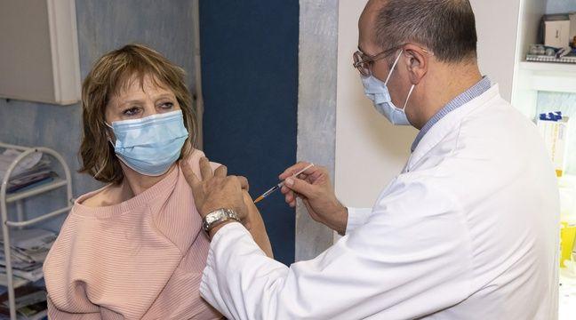 Ouvrir la vaccination aux pharmaciens prive-t-il les médecins de doses ?