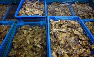 La préfecture de la Gironde, qui avait interdit vendredi la pêche, le ramassage, la distribution et la consommation des moules du bassin d'Arcachon, a émis samedi une mesure similaire uniquement pour l'ensemble des coquillages du banc d'Arguin, toujours en raison de la présence de toxines.