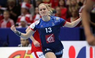Manou Houette et l'équipe de France de handball ont remporté la médaille de bronze lors de l'Euro, le 18 décembre 2016 en Suède.