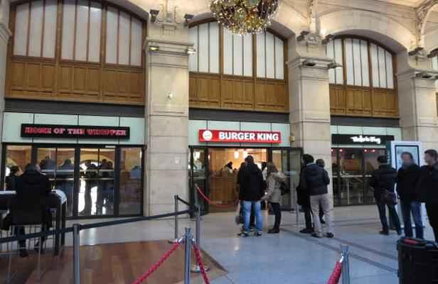 Paris le burger king de la gare saint lazare encore - Restaurant gare saint lazare ...