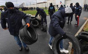 Le 26 janvier 2018, à la prison de Béziers, une manifestation de surveillants. AFP PHOTO / PASCAL GUYOT