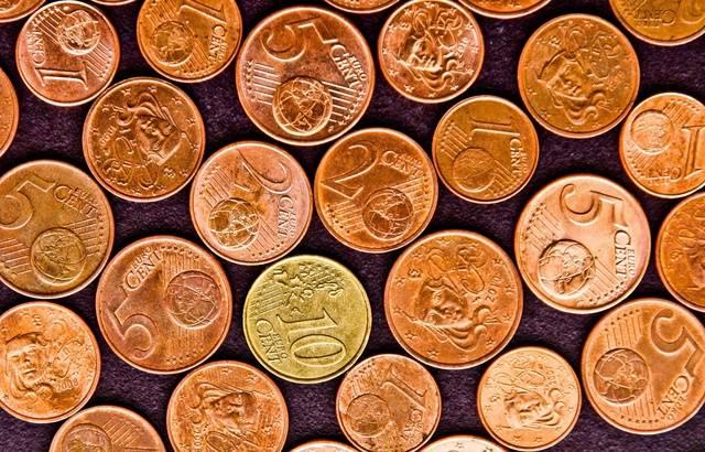 Les gilets jaunes tentent de payer une amende avec... une brouette de centimes 640x410_pieces-1-2-5-10-centimes-euro