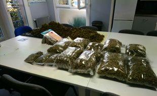 7kg d'herbe de cannabis ont été saisis