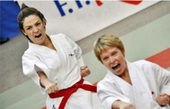 Le kata, centré sur le travail technique, peut être mis en application avec un partenaire.