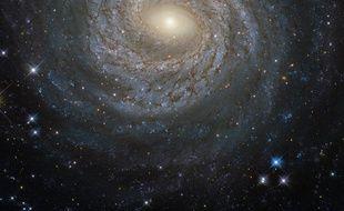 La galaxie NGC 6814 photographiée le 14 mai 2016 par le télescope spatial Hubble