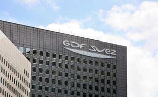 Le groupe GDF-Suez a assuré lundi que ses effectifs globaux devraient rester quasiment stables d'ici à fin 2015, après un communiqué de la CGT faisant état de la suppression de 4.000 postes en trois ans, en Europe, principalement via des départs non remplacés.