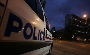 Un voiture de police en intervention de nuit à Toulouse. Illustration
