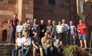 Les 17 vignerons de Gueberschwihr qui participent à l'opération.