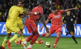Les Lyonnais, ici Guimaraes, ont souffert face au FCN.