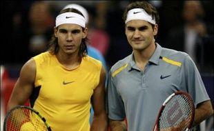 Roger Federer et Rafael Nadal vont s'affronter le 2 mai à Palma de Majorque (Iles Baléares) sur un court de tennis dont une moitié sera en terre battue et l'autre en gazon, un match singulier organisé par le gouvernement des Baléares.
