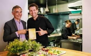 Côme de Chérisey, le patron du Gault & Millau et Alexandre Mazzia (à dr.), le cuisinier de l'année