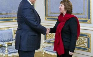 Le président ukrainien Viktor Ianoukovitch et la chef de la diplomatie européenne Catherine Ashton, le 29 janvier 2014 à Kiev