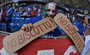 L'Italie alignait Antonio Di Natale en attaque avec Antonio Cassano et une défense à quatre pour le match décisif contre l'Eire, lundi à Poznan, dans le groupe C de l'Euro-2012, après deux matches avec Mario Balotelli et une ligne arrière à cinq éléments.