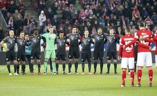 Une minute de silence lors de Bayern-Mayence, le 2 décembre 2016.