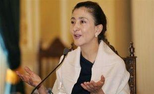 """L'ex-otage franco-colombienne Ingrid Betancourt a lancé samedi une fondation destinée à promouvoir """"le respect des droits humains"""", à l'occasion d'un sommet des prix Nobel de la Paix à Paris."""