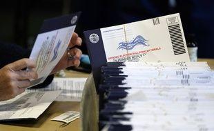 Donald Trump exige un recomptage des votes dans le Wisconsin où il est dépassé de peu par Joe Biden.