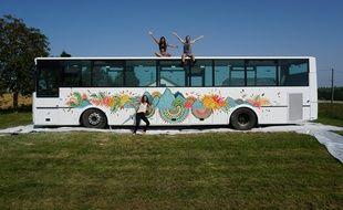 MagicBus peut embarquer huit voyageurs lors de road-trip à travers l'Europe.
