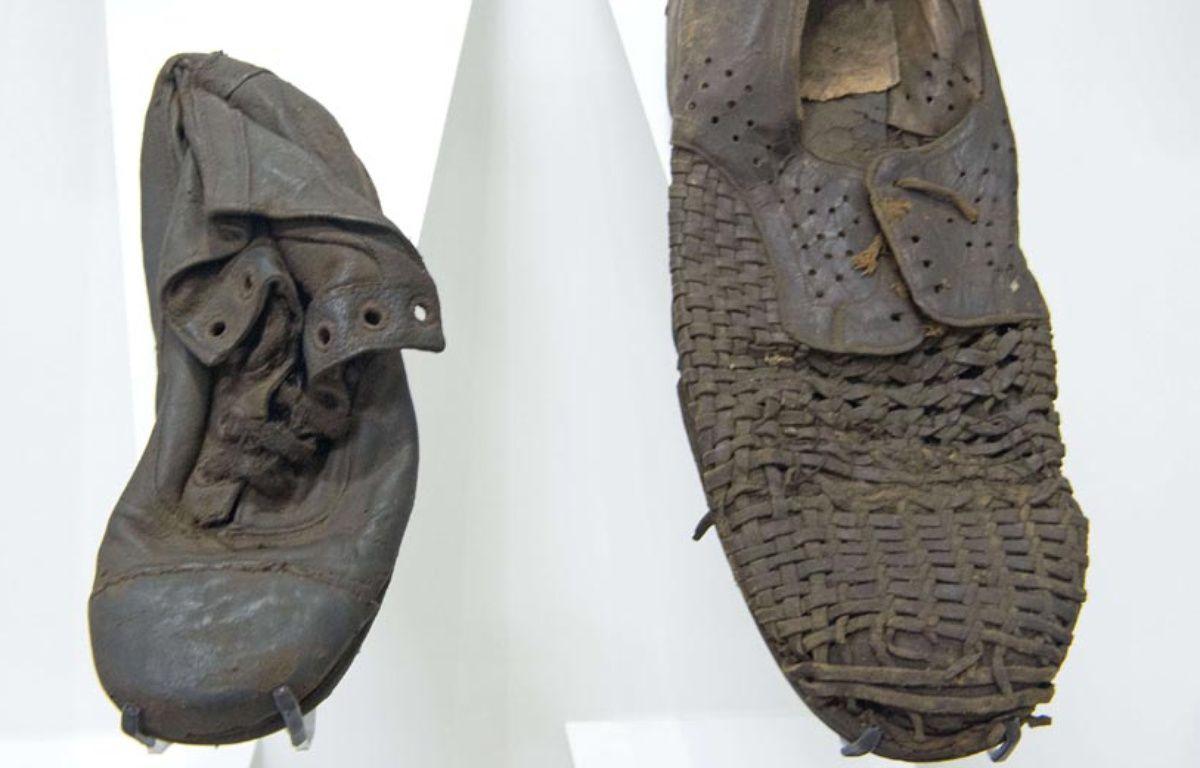Des chaussures de déportés exposées au  musée de l'ancien camp nazi allemand de Majdanek, situé dans l'est de la Pologne –  Jens Meyer/AP/SIPA