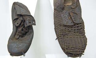 Des chaussures de déportés exposées au  musée de l'ancien camp nazi allemand de Majdanek, situé dans l'est de la Pologne