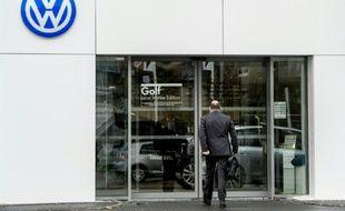 Un concessionnaire Volkswagen à Dunkerque, le 4 novembre 2015