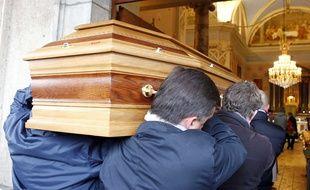 Cette assurance offre la possibilité de choisir la couleur de son cercueil ou encore le lieu de la cérémonie.