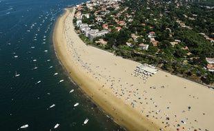 Une vue aérienne des plages du Bassin d'Arcachon.