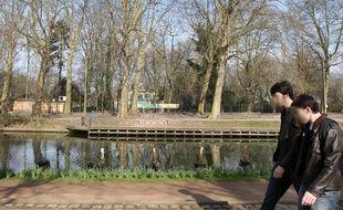 Les abords du zoo de Lille sont dangereux à cause du canal de la Deûle.
