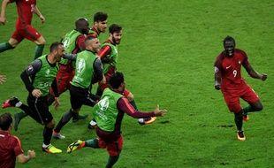 Eder (d), auteur du but portugais face à la France en finale de l'Euro, le 10 juillet 2016 au Stade de France