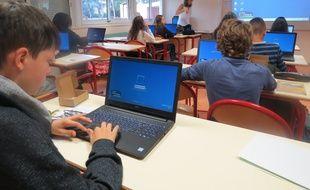 Début du cours de maths au collège Libertaire-Rutigliano  à Nantes