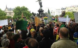 Rassemblement de la communauté brésilienne place de la Nation à Paris