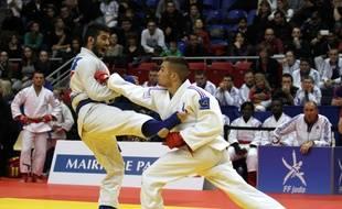 Le jujitsu est une méthode de défense fondée sur le contrôle de soi et de l'adversaire.
