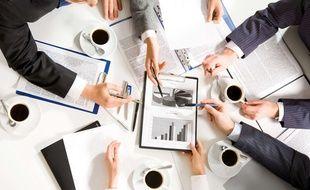 Illustration d'une réunion de travail.